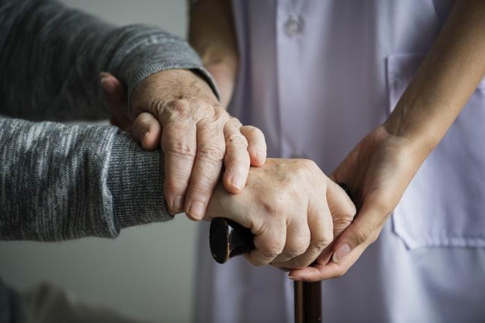 Adaptar a casa para os idosos é essencial